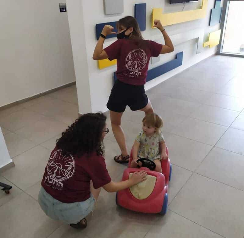 כיף עם ילדי הצוות הרפואי בבני ציון